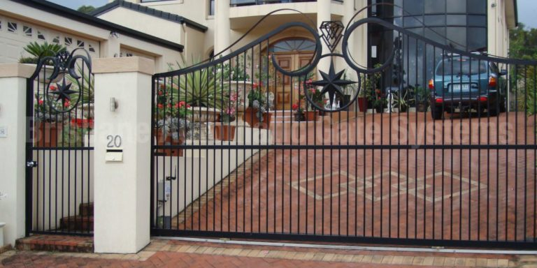 automatic gate safety tips